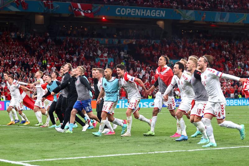 Klasemen akhir Euro Grup B, Denmark ke 16 Besar