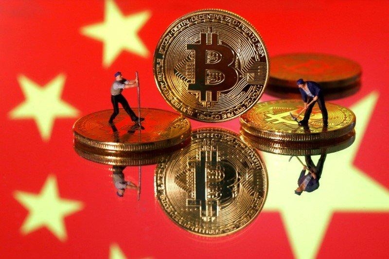 Bitcoin jatuh lebih jauh, China perketat tindakan keras terkait kripto