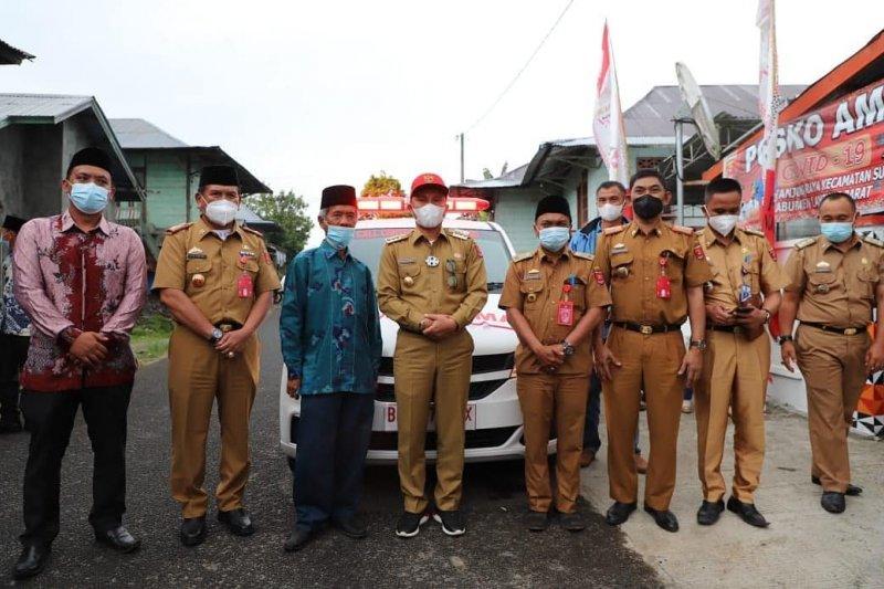 Bupati Lampung Barat luncurkan ambulans pekon