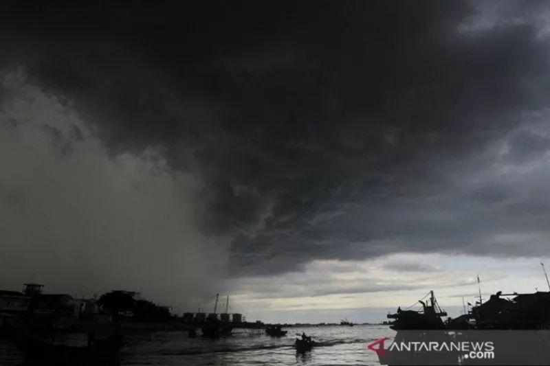 Hujan lebat diprakirakan terjadi di Lampung dan sejumlah daerah di Indonesia