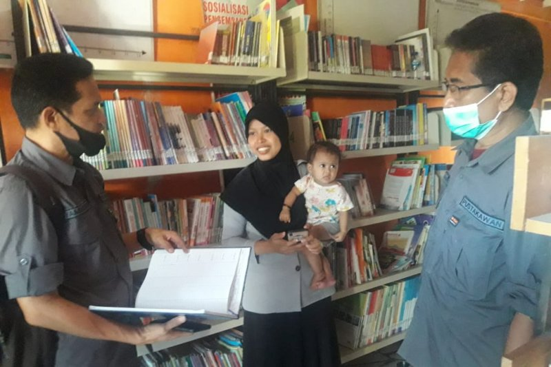 Tim PULAu DPK Sulsel bina perpustakaan di Pulau Barrang Lompo
