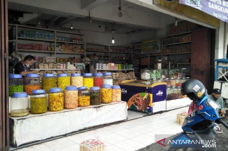 Penjualan oleh-oleh khas Cianjur turun hingga 80 persen