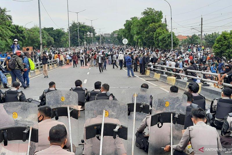 Massa Rizieq Shihab mulai tinggalkan kawasan flyover Pondok Kopi