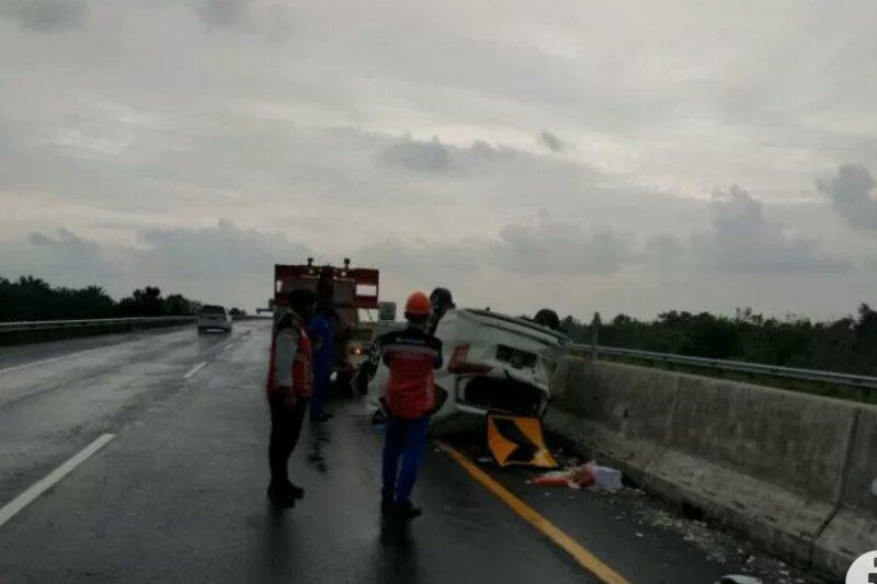 Kecelakaan minibus di Tol Trans Sumatera diduga melaju dari Palembang dengan kecepatan tinggi
