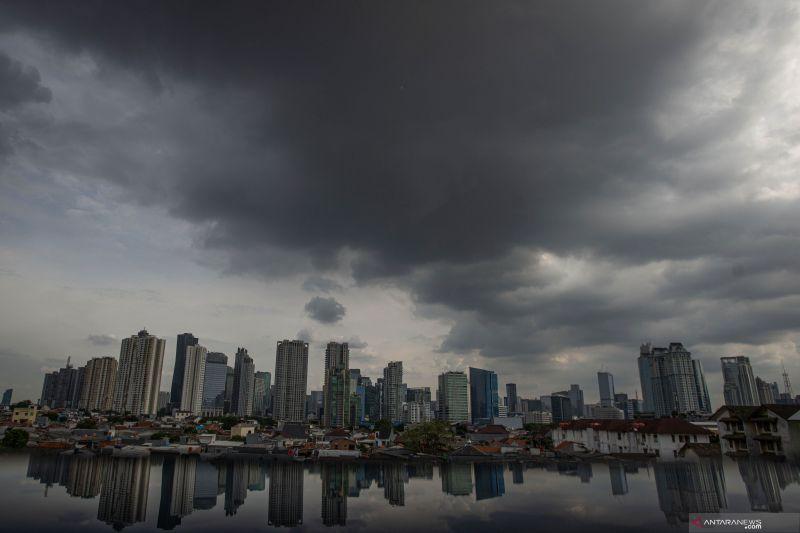 Waspada potensi hujan lebat dan angin kencang di beberapa provinsi
