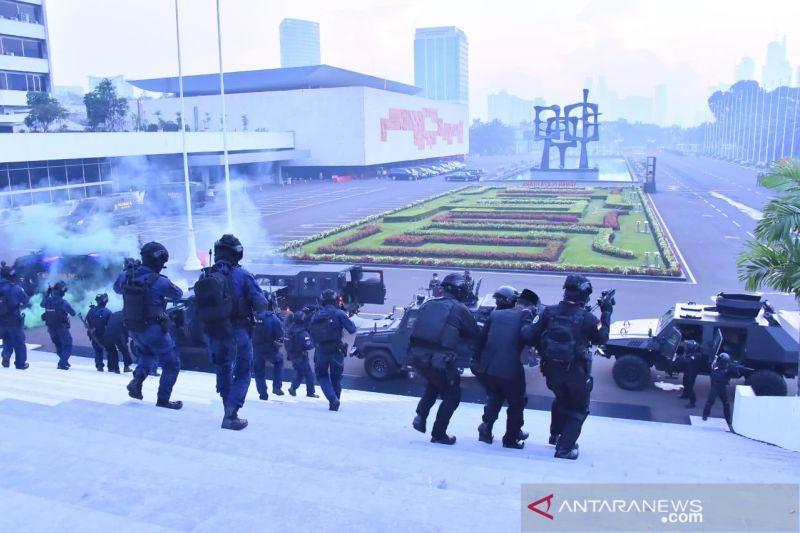 Satgultor TNI selamatkan gedung MPR dalam uji kesiapan operasi terorisme