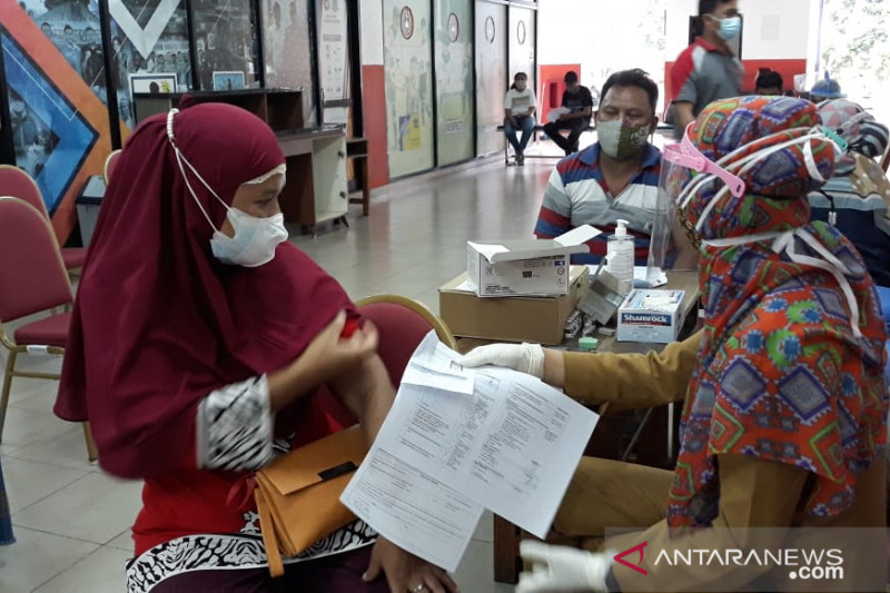 Penerima vaksinasi lengkap mencapai 13,182 juta jiwa penduduk Indonesia