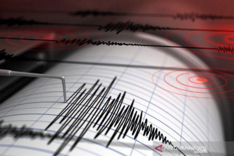 Warga Yogyakarta panik keluar rumah akibat gempa 5,3 magnitudo
