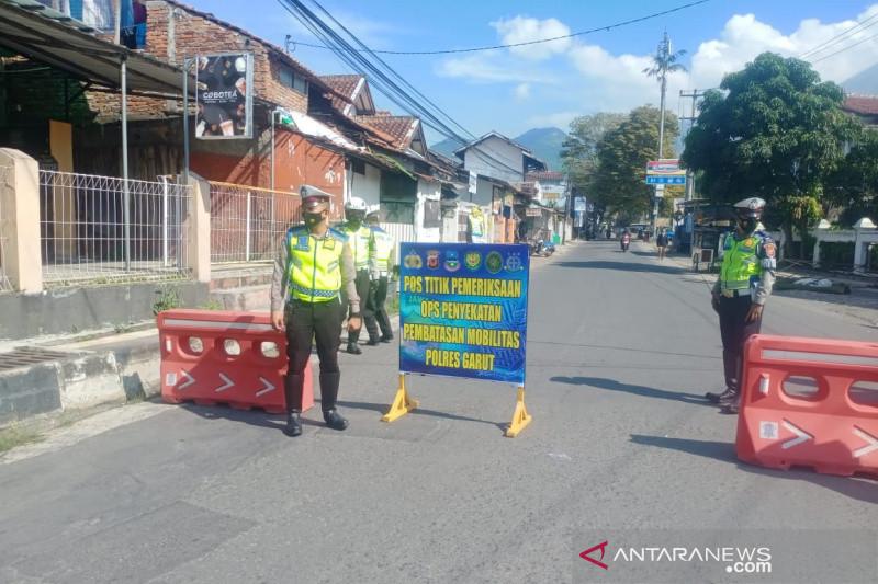 Polres Garut gelar operasi penyekatan jalan di perbatasan kota