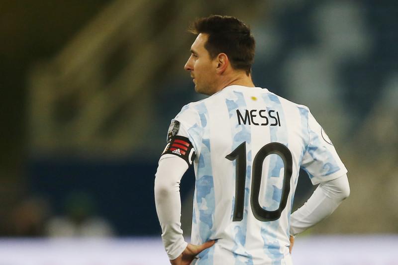 Lionel Messi resmi berstatus bebas transfer?