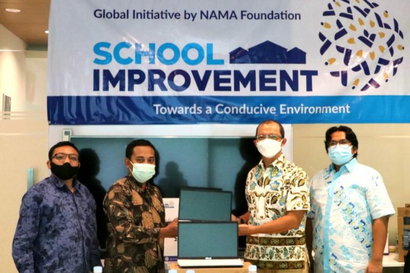 10 sekolah di Jabodetabek dapat bantuan sarana pendidikan