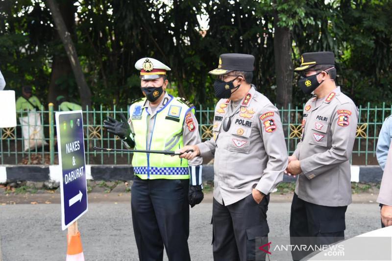 Antrean di pos sekatan Depok-Jakarta mulai terkendali