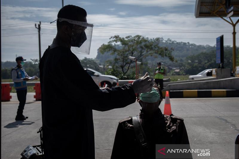 Angka kematian akibat COVID-19 di Semarang masih relatif tinggi
