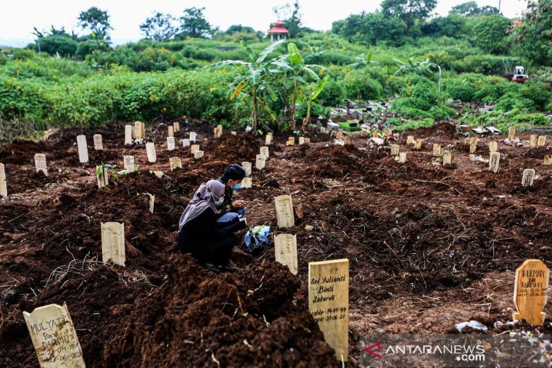 Pemkot Bandung pecat pemikul jenazah TPU Cikadut yang pungli Rp2,8 juta