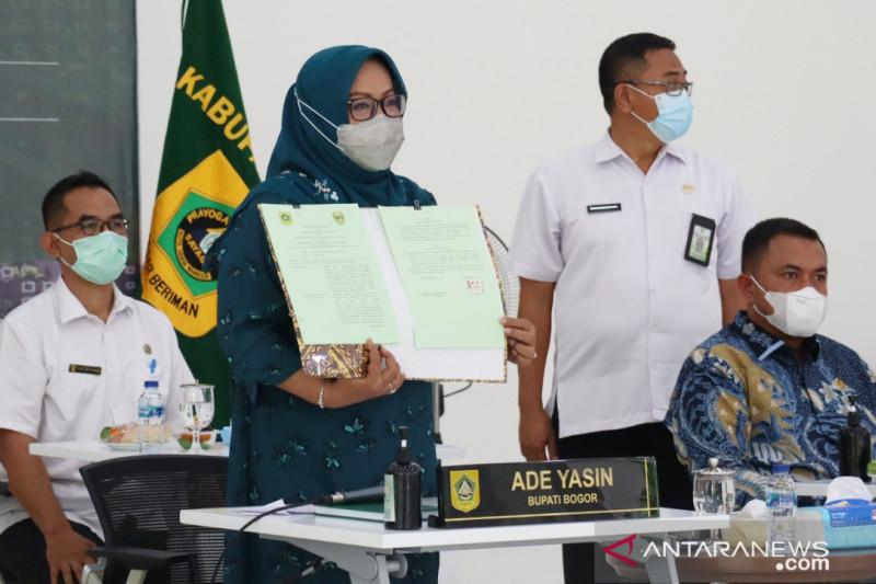 Bupati Bogor dan Pangdam Siliwangi kerja sama membangun 33 jembatan