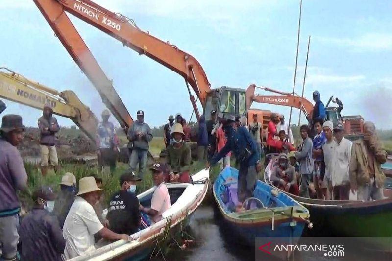 Nelayan Pulang Pisau hentikan paksa pembangunan kanal limbah
