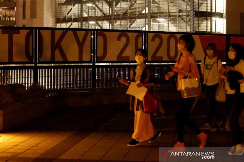 Kasus COVID-19 naik Presiden IOC dan Gubernur Tokyo bertemu