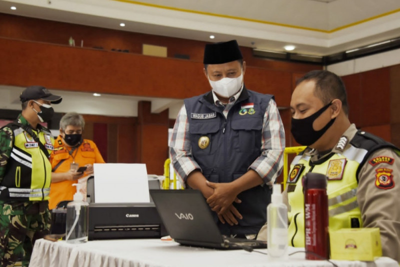 Sentra vaksinasi COVID-19 di Cimahi targetkan 2.000 orang per hari