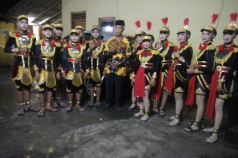 Politisi Golkar Kulon Progo dampingi Payuyuban Angguk Remaja Sekar Bumi