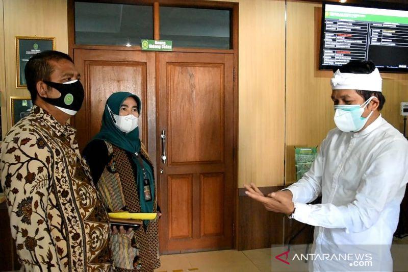 Dedi Mulyadi titip uang ke pengadilan Purwakarta untuk bantu bayar denda pelanggar PPKM