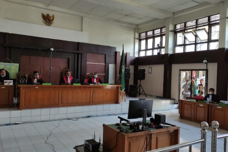 Bupati Muara Enim nonaktif dipindahkan ke rutan  di Palembang