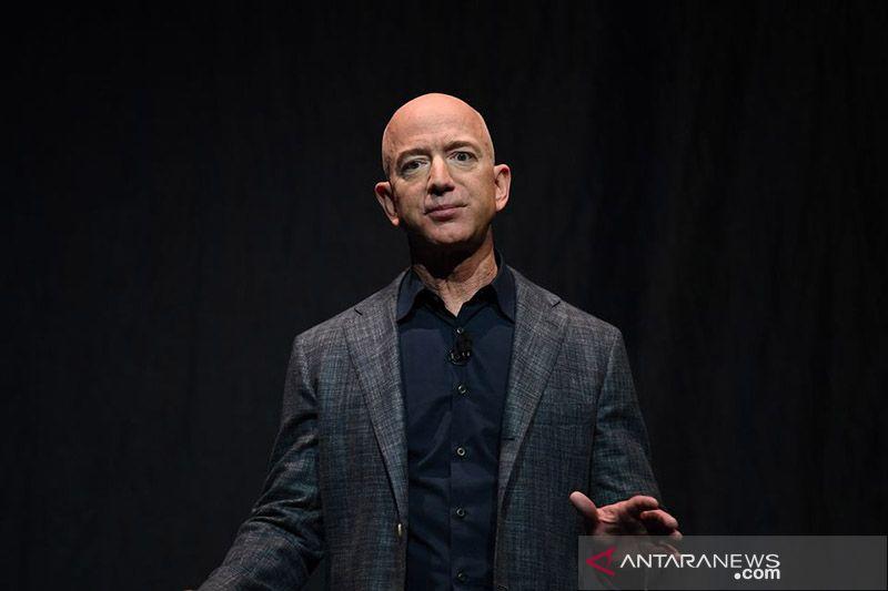 Orang terkaya di dunia Jeff Bezos segera terbang ke luar angkasa