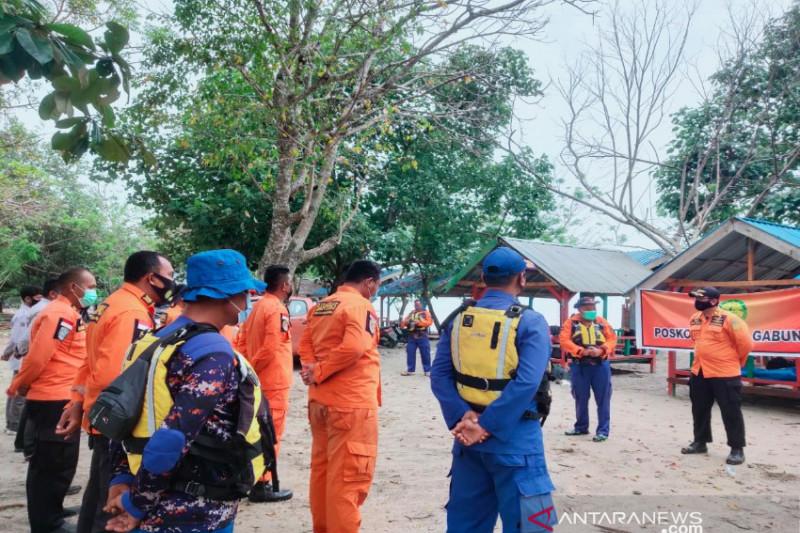 Tim SAR Kendari hentikan pencarian dua orang tenggelam di Pantai Batu Gong
