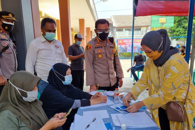 Polresta Bogor lanjutkan vaksinasi keliling di RT zona merah