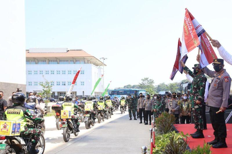 458 Ton beras dan 15.000 paket Sembako PPKM Darurat disebar Polri bagi masyarakat Banten