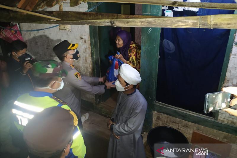 Polres Garut cari warga terdampak PPKM yang belum dapat bansos
