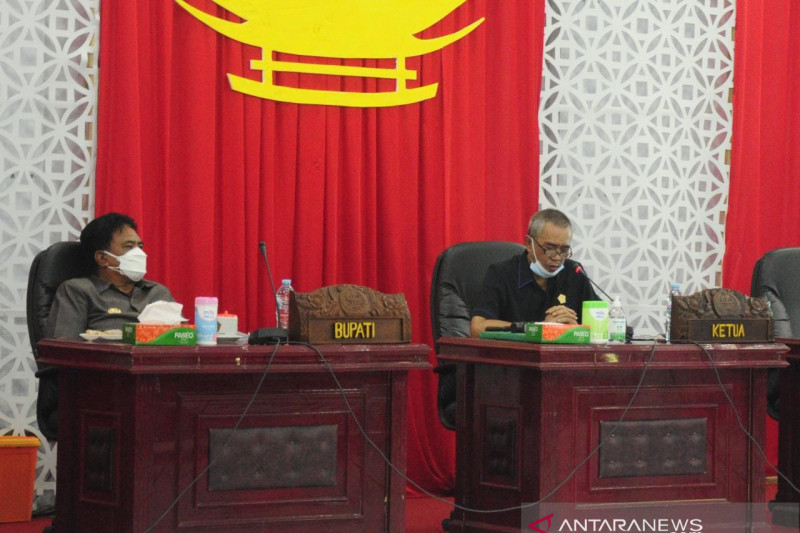 DPRD Sangihe bahas Ranperda pertanggungjawaban APBD 2020