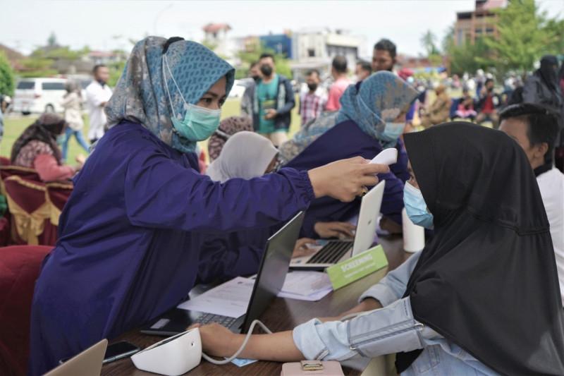 Ribuan masyarakat Payakumbuh ikuti Mega Gebyar Vaksinasi COVID-19