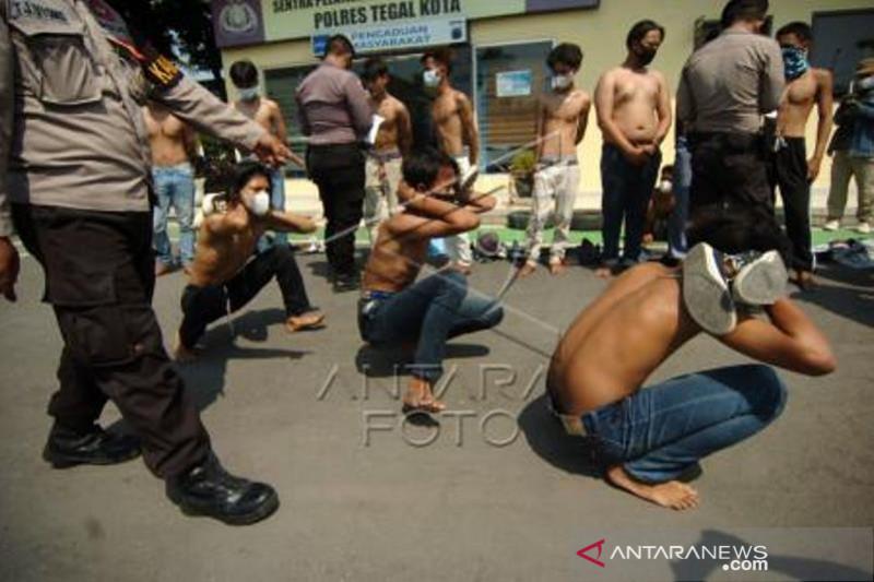 Polisi Amankan Pelajae Yang Akan Berunjuk Rasa Di Tegal