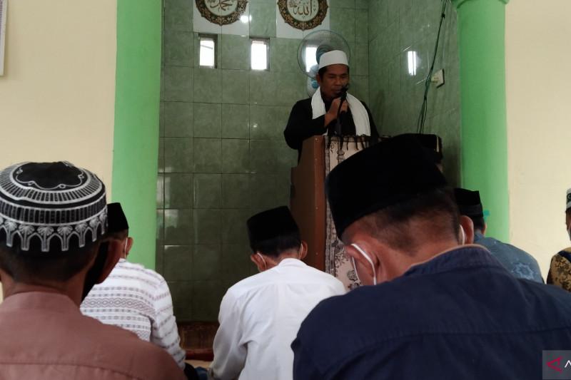 Pelaksanaan Shalat Idul Adhja di Mushola Al-Iklas