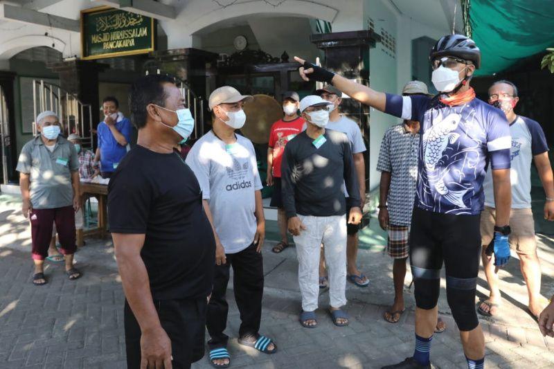 Gubernur Ganjar berkeliling ingatkan panitia kurban taat protokol kesehatan