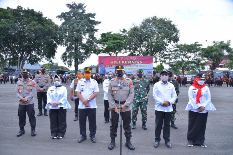 Kapolda Lampung pimpin apel kesiapan vaksinasi keliling COVID-19