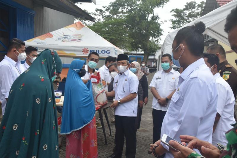 Gubernur Sulbar berharap bantuan beras PPKM  bisa kurangi beban masyarakat