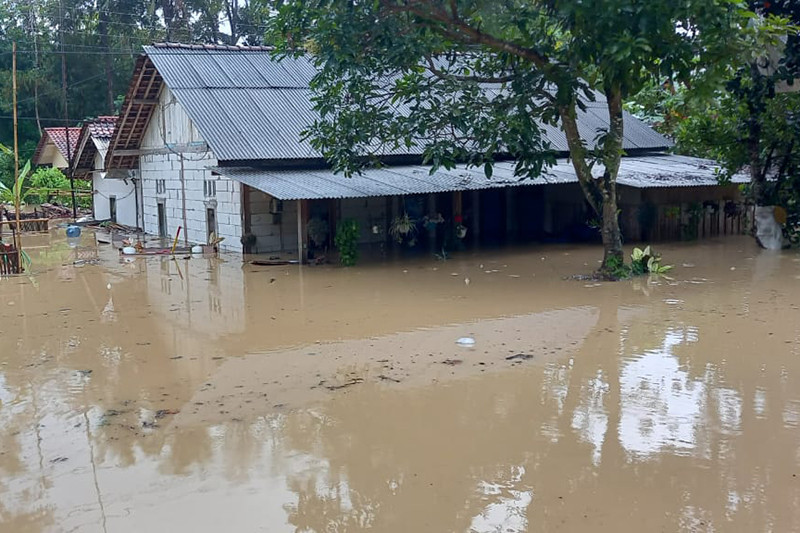 BMKG sebut gangguan cuaca akibatkan banjir di Jeruklegi Cilacap