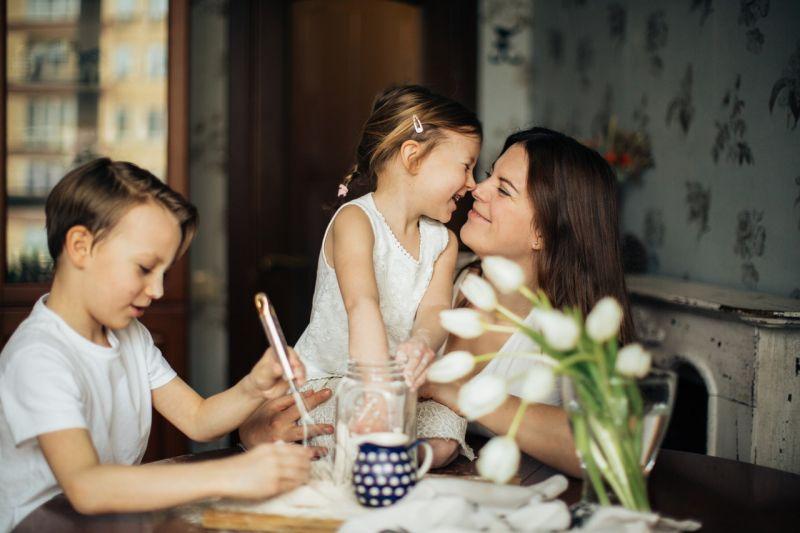 """Orang tua perlu """"quality time"""" dengan anak agar ceria di rumah"""
