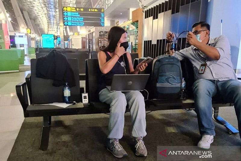 Keluyuran di Bali saat Positif COVID-19, WN Rusia dideportasi