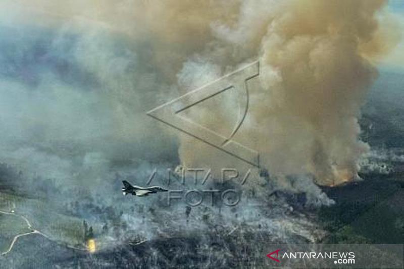 Pesawat Tempur F-16 Temukan Lokasi Karhutlah Di Riau