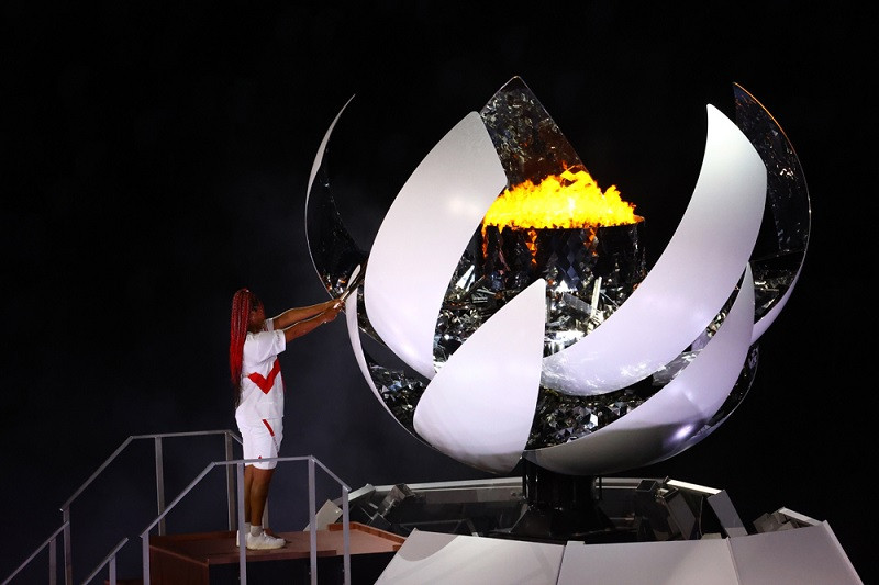 Naomi Osaka sulut kaldron api Olimpiade Tokyo dalam acara pembukaan