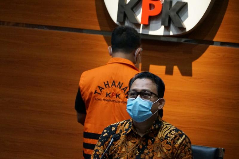KPK konfirmasi tersangka Siti Aisyah soal aliran uang kasus suap proyek di Indramayu