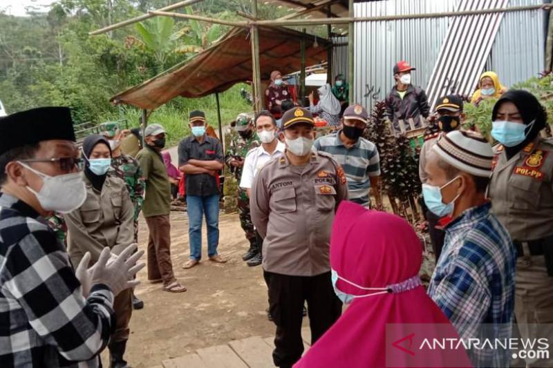 Oknum ASN menentang pembubaran hajatan di rumah saudaranya, disanksi copot jabatan