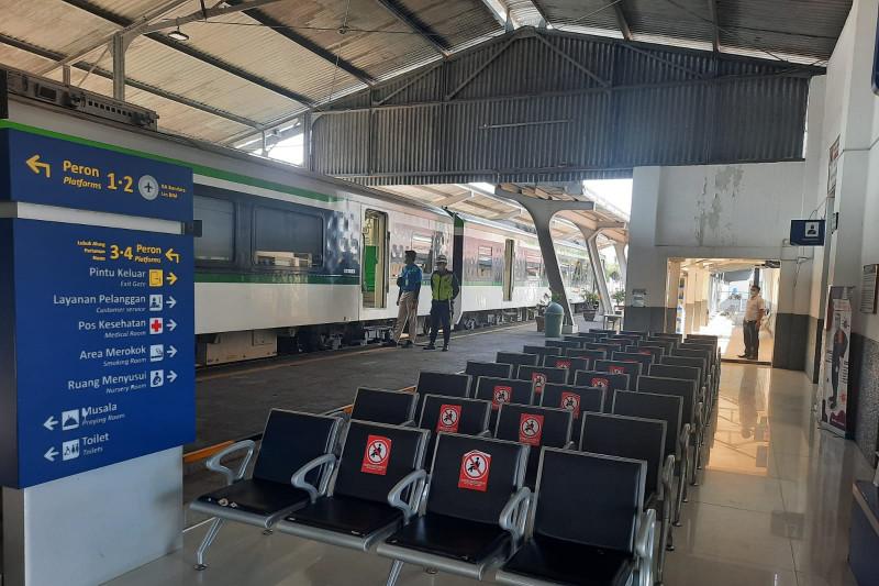 Ini syarat penumpang KA Jarak Jauh dan KA Lokal mulai 26 Juli