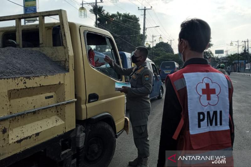 Petugas gabungan di Cianjur sepekan ini putar balik 430 kendaraan pendatang