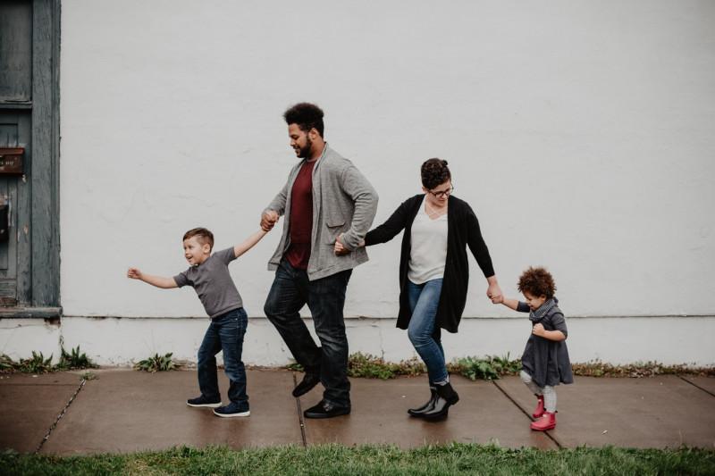 Psikolog: Ragam cara orang tua beri rasa bangga pada anak agar bertumbuh optimal