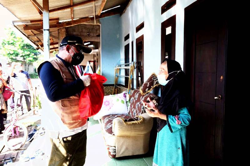 Pemkot Depok salurkan bantuan sembako ke warga terdampak pandemi COVID-19