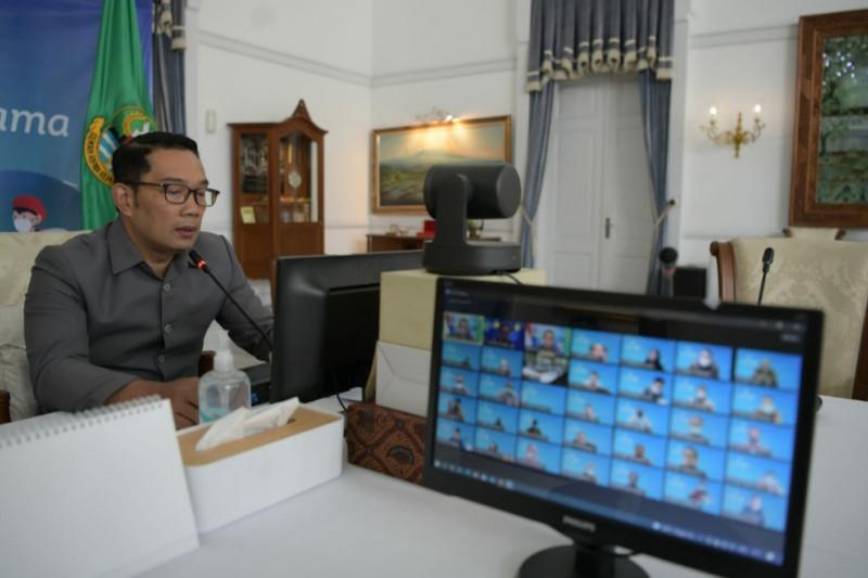 Ridwan Kamil minta Bank BJB adaptasi sistem keuangan masa depan