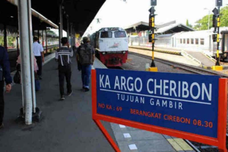 KAI Daop Cirebon kembali layani penumpang umum
